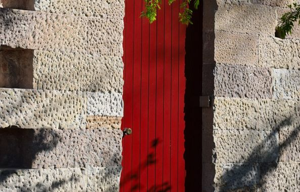 Red door-Greg  Sandoval