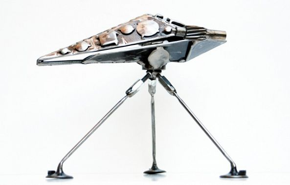 Modern metal art sculpture Icarus spaceship-Dendrinos gIANNIS