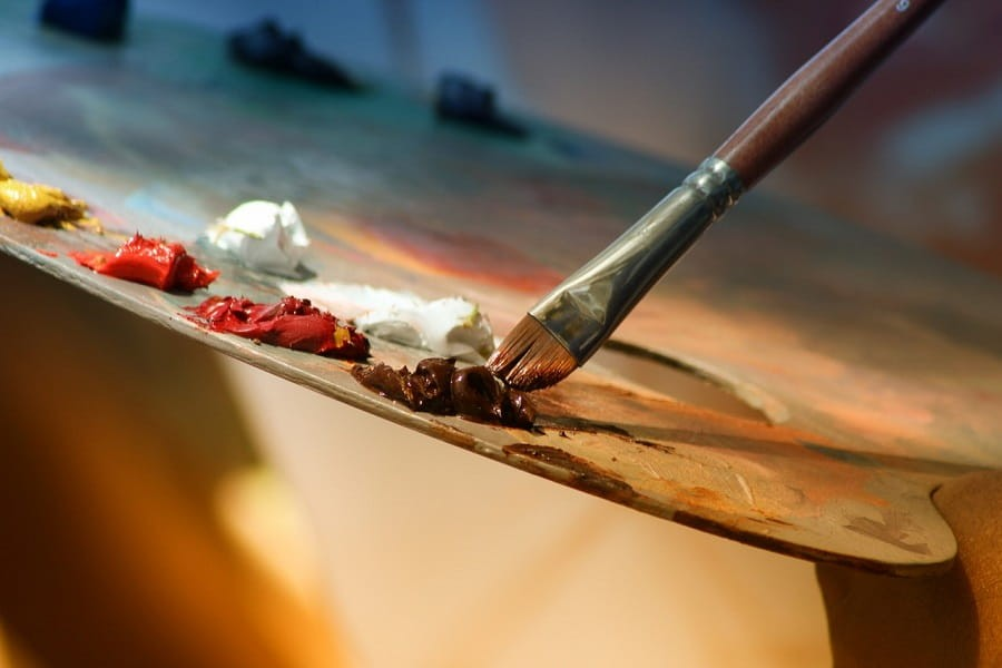 Top brands of oil paints for artists